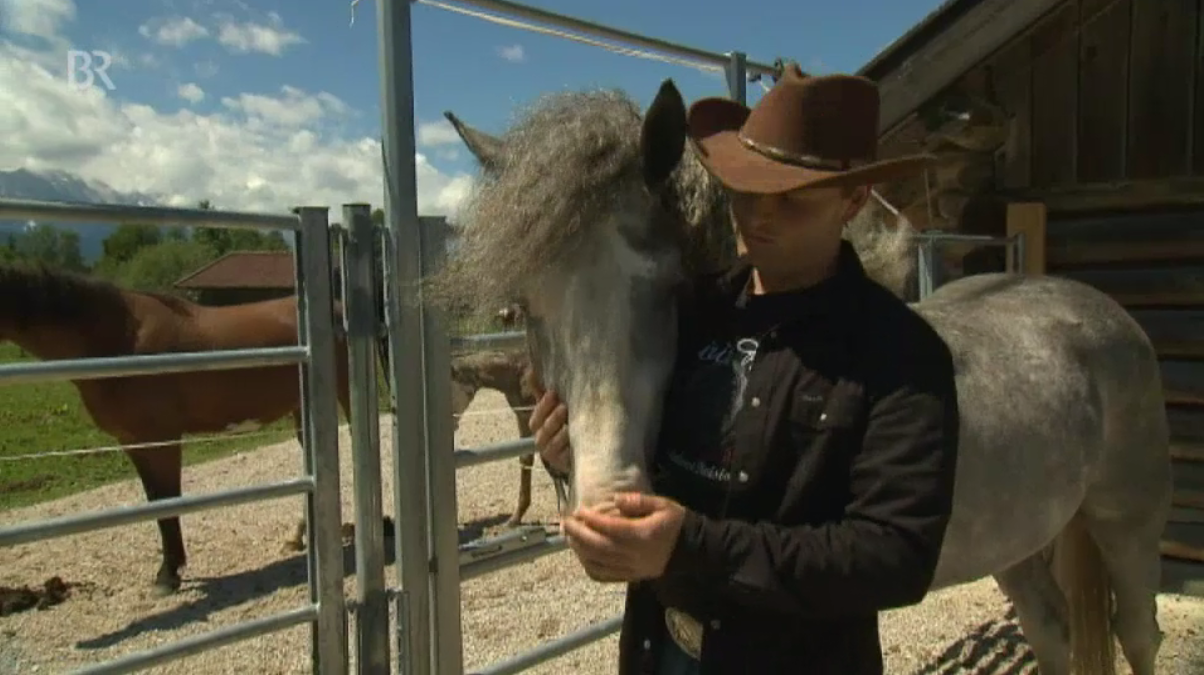 Martin mit den Curly Horses vom Isarhof